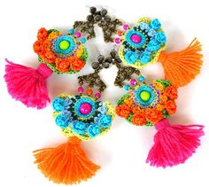 gras de boucles d'oreilles ethniques, boucles d'oreilles mexicains colorées, boucles d'oreilles pompon ethnique, boucles d'oreilles de pom pom, grandes boucles d'oreilles tribales, boucles d'oreilles hippie grande