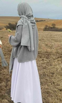 Modern Hijab Fashion, Hijab Fashion Inspiration, Muslim Fashion, Mode Outfits, Fashion Outfits, Moslem, Mode Turban, Hijab Fashionista, Islamic Clothing