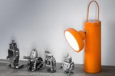 Lampe de mineur à led & batterie #madeincanada #canadaproduct #design #lampdesign #lecomptoiramericain #home #homedesign #led #lampe #eclairage #juniperdesign #orange #americandesign