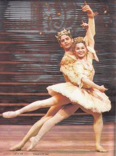 "Miyako Yoshida (Sugar Plum Fairy) & Jonathan Cope (Prince) with The Royal Ballet in ""The Nutcracker"""