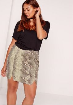 plus size mini skirt plus size mini skirts plus size mini skirts black plus size… Mini Skirt Outfit Winter, Plaid Mini Skirt, Leather Mini Skirts, Plus Size Mini Skirts, Dress Plus Size, Plus Size Outfits, Winter Outfits Tumblr, Winter Outfits Women, Winter Outfit For Teen Girls