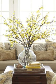 Spring Home Design Ideas for your living room Room Decor, Home And Living, Decor, Spring Decor, Spring Home Decor, Interior, Home Decor, Table Decorations, Summer Decor