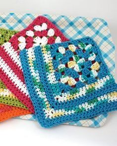 Fun, colorful dishcloth that begins with a small granny square, then is worked corner-to-corner for a striped effect.  This fantastic crochet pattern is great for beginners of the crocheting world.