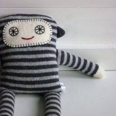 Knitted Lambswool Long Legs Monkey: would make a cute baby gift ~ use recycled cashmere sweater/felt/tapestry yarn.