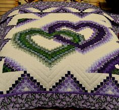 linking hearts quilt pattern bargello | Linking Hearts Quilt (queen) • Amish Quilts: Queen Size • Quilts ...