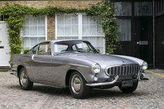 P1800 with silver body, with horned bumber and no side wall chrome