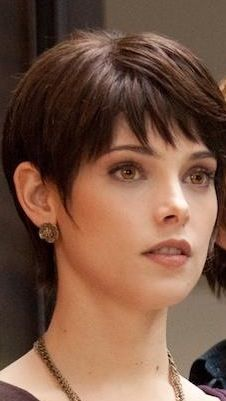 Cute simple pixie with bangs Short Hair With Bangs, Long Curly Hair, Short Hair Cuts, Short Hair Styles, Short Layered Haircuts, Short Hairstyles For Women, Hairstyles With Bangs, Pixie Haircut, Hair Today