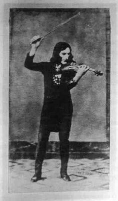 Niccolo Paganini... un gran maestro del q hay mucho que aprender aun