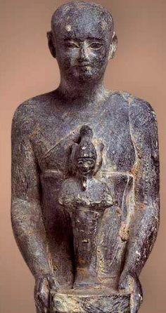 Statue of Pakhnum