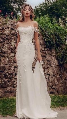 Top Wedding Dresses, Wedding Dress Trends, Lace Dresses, Vintage Dresses, Wedding Ideas, Modest Wedding, Wedding Hacks, Vintage Lace, Wedding Inspiration