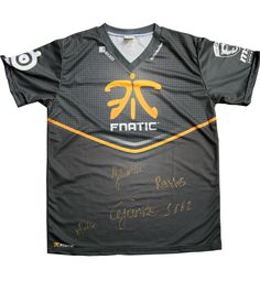 Fnatic's Official 2013 Limited Edition Player Shirt, Signed* by our Season 4 League of Legends roster, xPeke, Cyanide, Yellowstar, Soaz and Rekkles. Signatures all pre-printed onto the Player Shirts so they're fully washable.