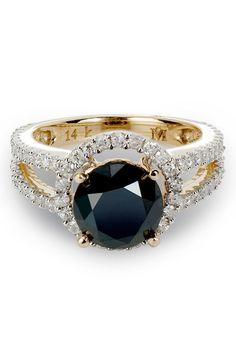 3.20 CTW Diamond 14k gold engagement ring