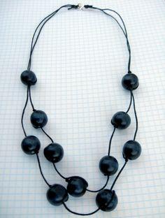 wooden bead necklace by angela osborn - tuto -