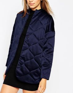 Изображение 3 из Стеганая атласная куртка ASOS Premium