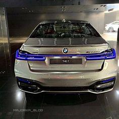 BMW M760Li ⚡ Как вам? @autosuper_356 📷@bmw.uae  #bmw Toyota Tacoma 4x4, Daihatsu, My Ride, Sport Bikes, Car Pictures, Custom Cars, Mazda, Cadillac, Peugeot