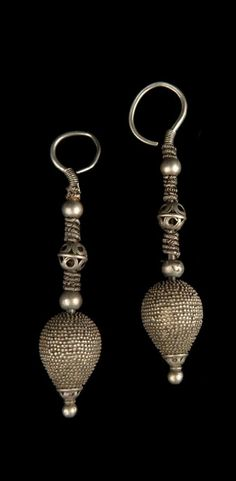 Pakistan - North West Province, Swat | Pair of earrings; silver. // ©Quai Branly Museum.