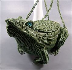 i'm in love.vintage wicker purse