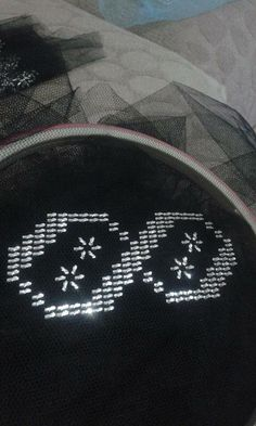 This Pin was discovered by Oya Hand Embroidery, Embroidery Designs, Weaving Patterns, Diy And Crafts, Cross Stitch, Sewing, Handmade, Rugs, Crossstitch