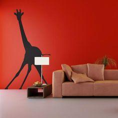 Cette girafe rigolote animera vos murs ! Ce sticker ne manquera pas de faire sensation auprès de vos invités.