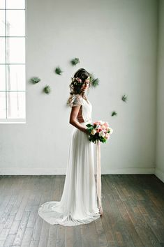 BHLDN wedding gown | Photo by Berrett Photography | Read more - http://www.100layercake.com/blog/?p=72465