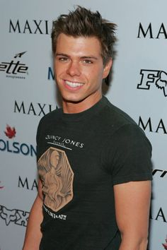 Matt Lawrence. mmmmm i was so in love with him!!! THE HOT CHICK