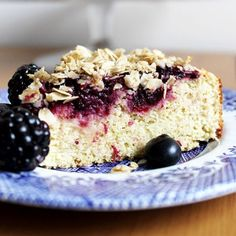 Summer Berry Crumble Cake HealthyAperture.com