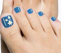 Pedicure Nail Art Design, If you've got hassle decisive that color can best suit your nails, commit to mirror this season or your mood! Toenail Art Designs, Toe Nail Designs, Summer Toenail Designs, Flower Pedicure Designs, Pretty Toe Nails, Fancy Nails, Pedicure Nail Art, Toe Nail Art, Blue Pedicure