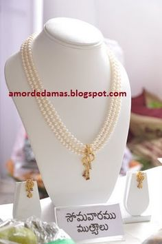 Baby Jewelry, Gold Jewelry, Beaded Jewelry, Jewelery, Simple Necklace, Pearl Necklace, India Jewelry, Necklace Designs, Costume Jewelry