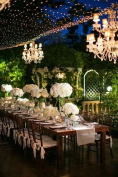Romantic garden wedding dinner / http://www.deerpearlflowers.com/romantic-wedding-lightning-ideas/