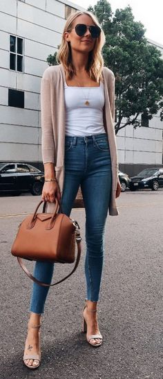 45 beautiful autumn outfits for everyday wear / 43 casual outfits Everyday Outfits autumn beautiful Casual everyday Fall outfits Wear Fresh Outfits, Casual Fall Outfits, Casual Dresses, Autumn Outfits, Casual Wear, Look Fashion, Trendy Fashion, Autumn Fashion, Womens Fashion