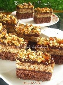 Prajitura-Krantz-4 Christmas Desserts, Christmas Baking, Sweets Recipes, Cake Recipes, Romanian Desserts, Romanian Recipes, Different Cakes, Square Cakes, Homemade Cakes