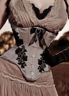 Neo Victorian, Steampunk fashion: underbust corset, lace -- I don't know if I would ever be bold enough, but I LOVE this look Steampunk Costume, Steampunk Clothing, Steampunk Fashion, Victorian Fashion, Neo Victorian, Victorian Steampunk, Gothic Fashion, Gothic Corset, Gothic Lolita