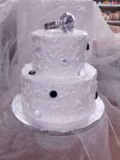 Ring engagement cake