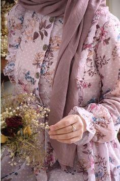 Stylish Dress Designs, Stylish Dresses, Lovely Dresses, Abaya Fashion, Muslim Fashion, Fashion Dresses, Muslimah Clothing, Modele Hijab, Mode Abaya