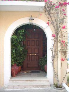 Greece - doorway with flowers