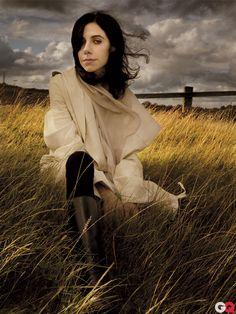 One of my favorite rock goddesses, the lovely PJ Harvey.