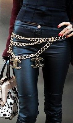 Chanel logo belt over skinnies - street style for fall and winter