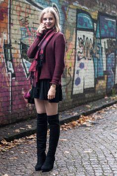 autumn style: burgundy scarf, burgundy sweater, black skirt dress, black rebecca minkoff mini mac, black overknees - Hamburg, Streetstyle, Outfit, Blogger