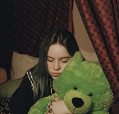 """Read Chapter 40 from the story The Artist / Billie Eilish by latibulefeeling (c) with reads. """"Billie, is that Gucci? Billie Eilish, Album Cover, My Idol, Divas, Wattpad, Celebs, Drawing, My Love, Cute"""