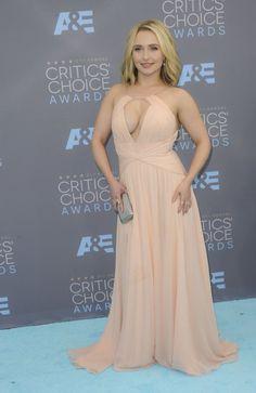 Hayden Panettiere op de Critics Choice Awards, wat een mooie jurk heeft ze hè!?