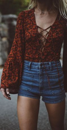 lace-up trend + high waist denim