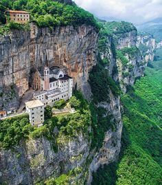 Santuario Madonna della Corona,  Italia