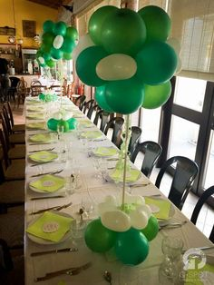 Comunione di Chiara | Love, paper and co.    #Wedding Design Bologna #Lovepaperandco #gspotlabs #eventdesign #green #palloncini #balloons #greenwedding #comunione