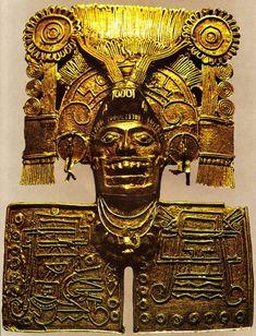 Art Mixtèque - Pectoral en or représentant Mictlantecuhtli, dieu de la mort. Monte Alban - XVe S.