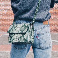 Bag | Crossbody | Snakeskin | Denim | Levis | More on Fashionchick.nl