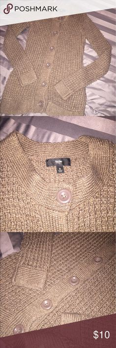 🔴4 FOR $10🔴CUTE MOSSIMO SWATER/JACKET S THIS IS A CUTE SWEATER/JACKET SIZE S.  BROWN/TAUPE COLOR W/ SOME SPARKLE AS SEEN IN THE PIC.  THERE IS A LITTLE PILING AND A COUPLE OF SNAGS AS SEEN IN THE 3RD PIC. 💖THANK YOU FOR THE LIKE!  BIG DEALS!  EVERYTHING UNDER $10 is 4 FOR $10!  EVERYTHING UNDER $20 IS 4 FOR $20!  PLEASE FEEL FREE TO ASK ANY QUESTIONS! 💖 Mossimo Supply Co Sweaters Cardigans