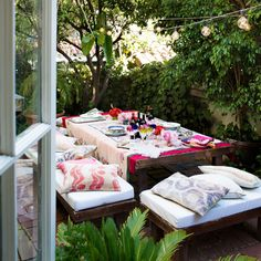 Get the Look: A Summery Outdoor Space