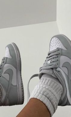 Dr Shoes, Cute Nike Shoes, Swag Shoes, Cute Sneakers, Nike Air Shoes, Hype Shoes, Me Too Shoes, Sneakers Nike, Grey Sneakers