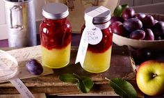 Apple and plum layer jam Recipes: A layered jam with apples … - Hot Sauce Jam Recipes, Snack Recipes, Snacks, Chutneys, Good Food, Yummy Food, Tasty, Homemade Syrup, Homemade Gifts