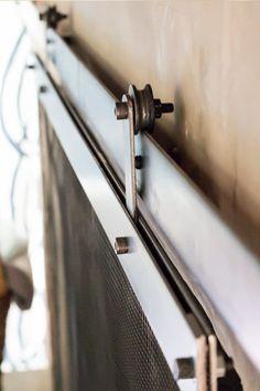 close-up-barn-door-fireplace-screen